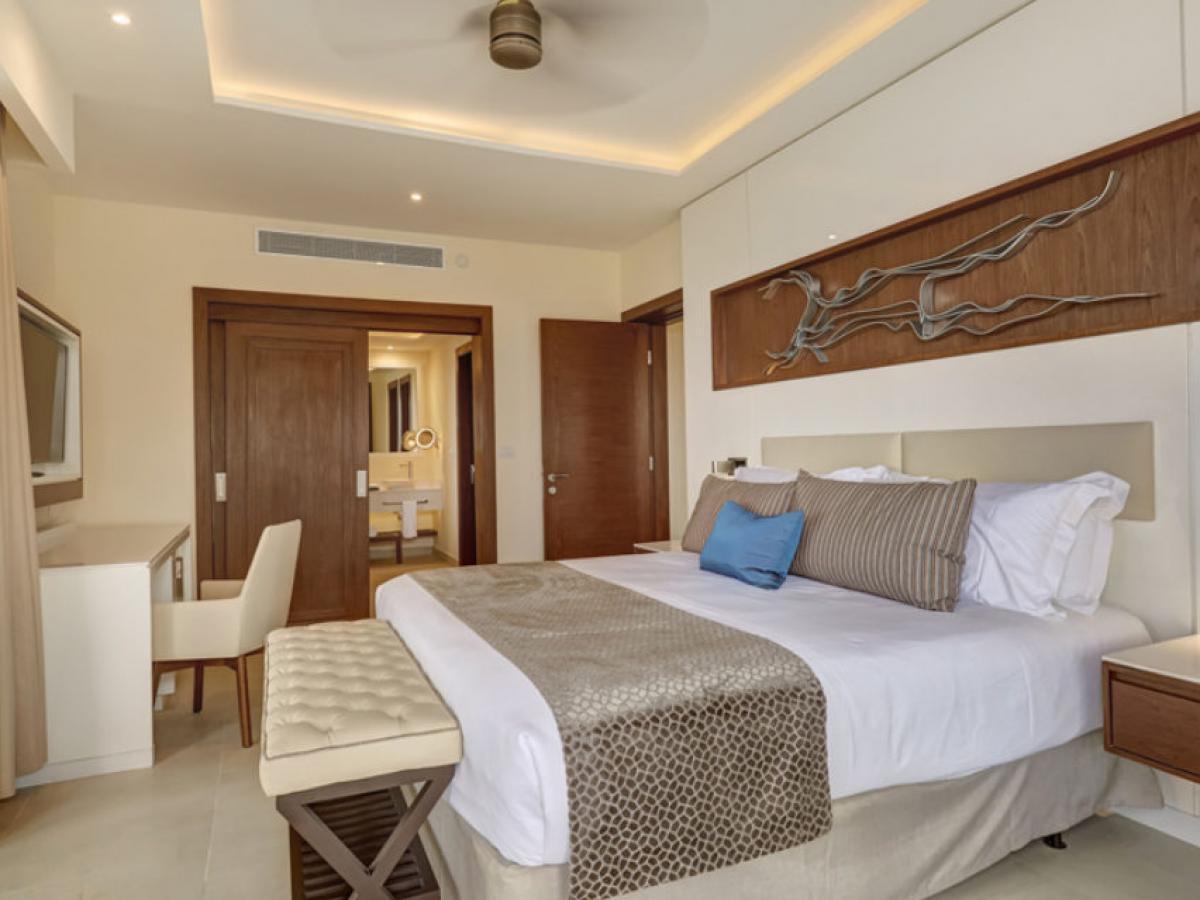 Hideaway Negril Jamaica - Luxury Penthouse One Bedroom