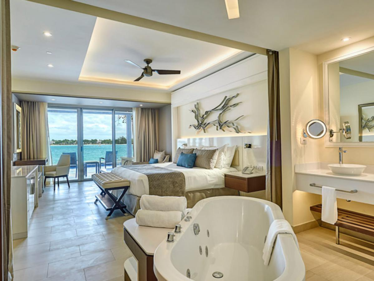 Royalton Negril Jamaica - Luxury Junior Suite Ocean View