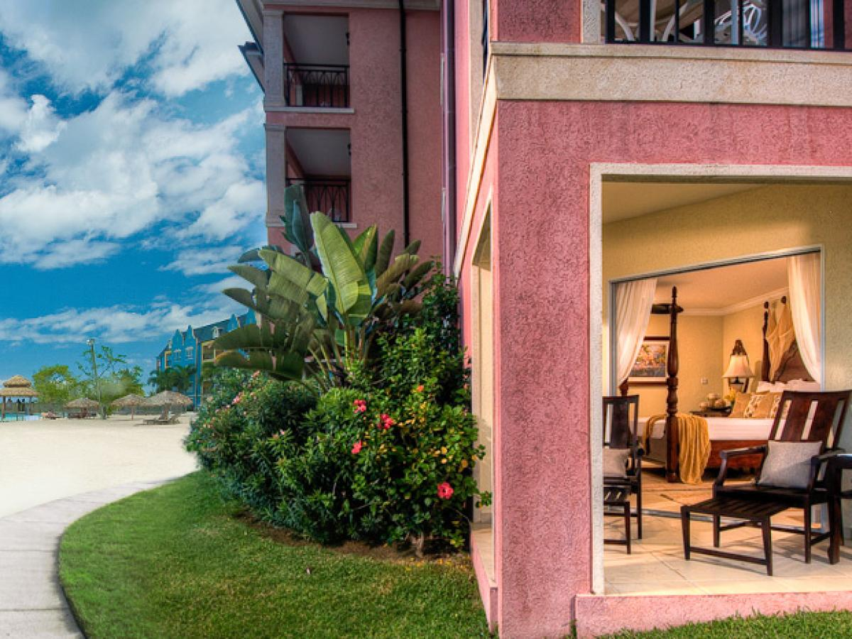 Sandals Whitehouse Negril Jamaica - Beachfront One Bedroom Walkout Butler Suite