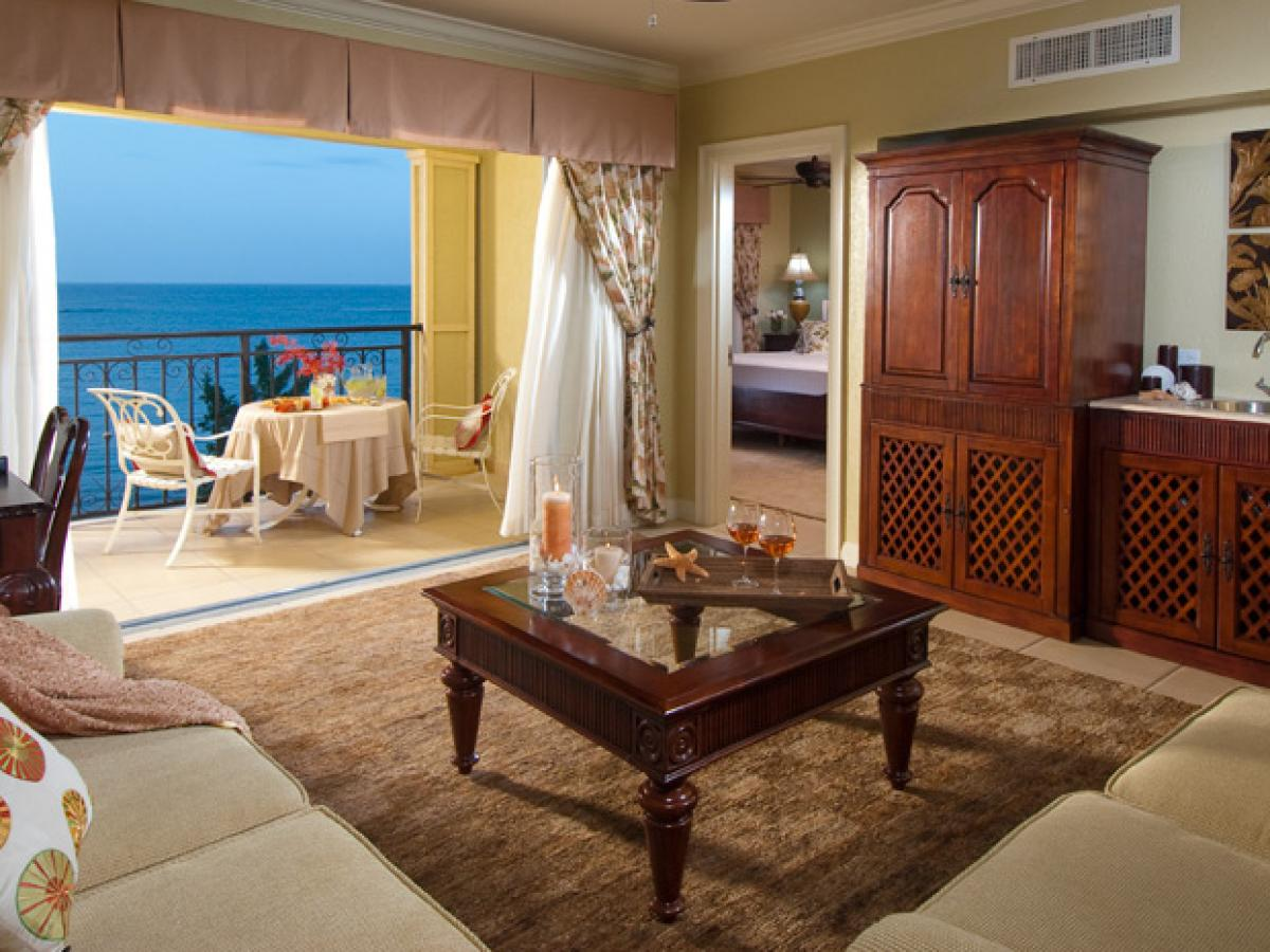 Sandals Whitehouse Negril Jamaica - Penthouse Beachfront One Bedroom Butler Suit