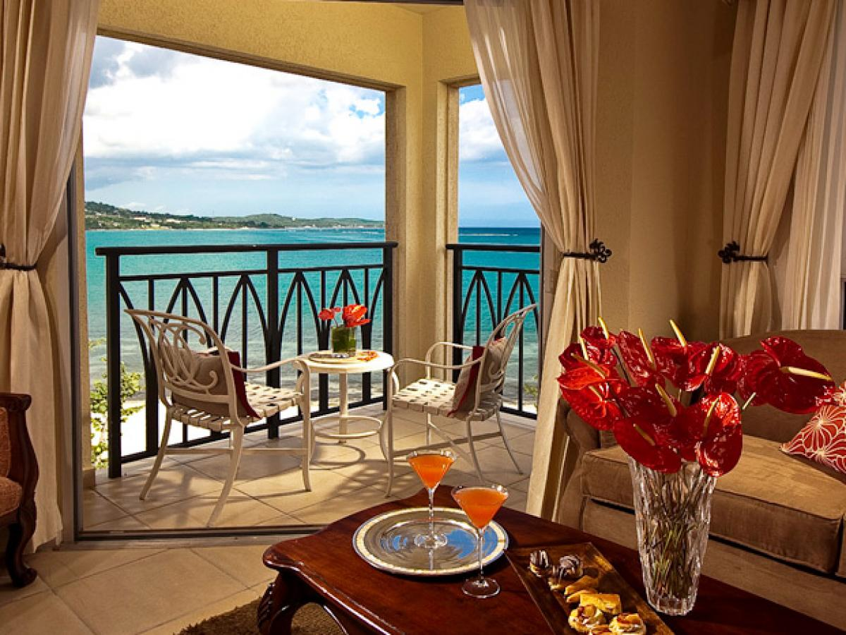 Sandals Whitehouse Negril Jamaica - Honeymoon Beachfront penthouse Club Level Ro