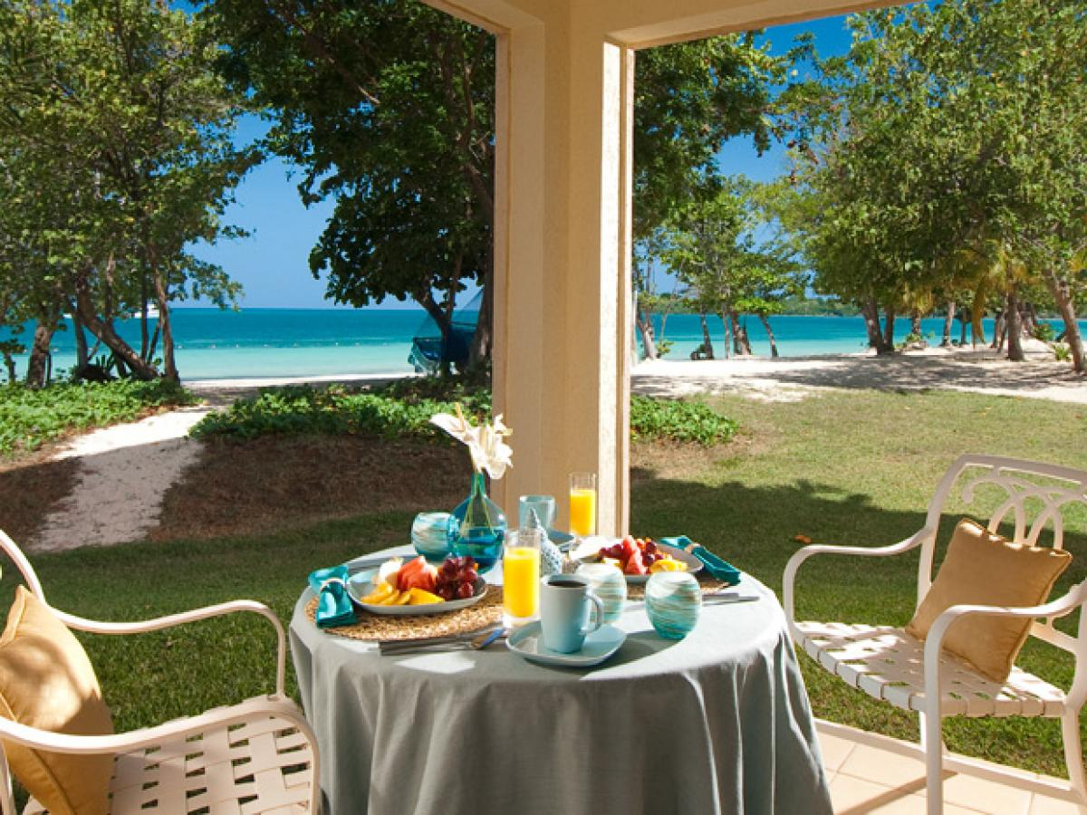 Sandals Whitehouse Negril jamaica - Honeymoon Beachfront Walkout Room