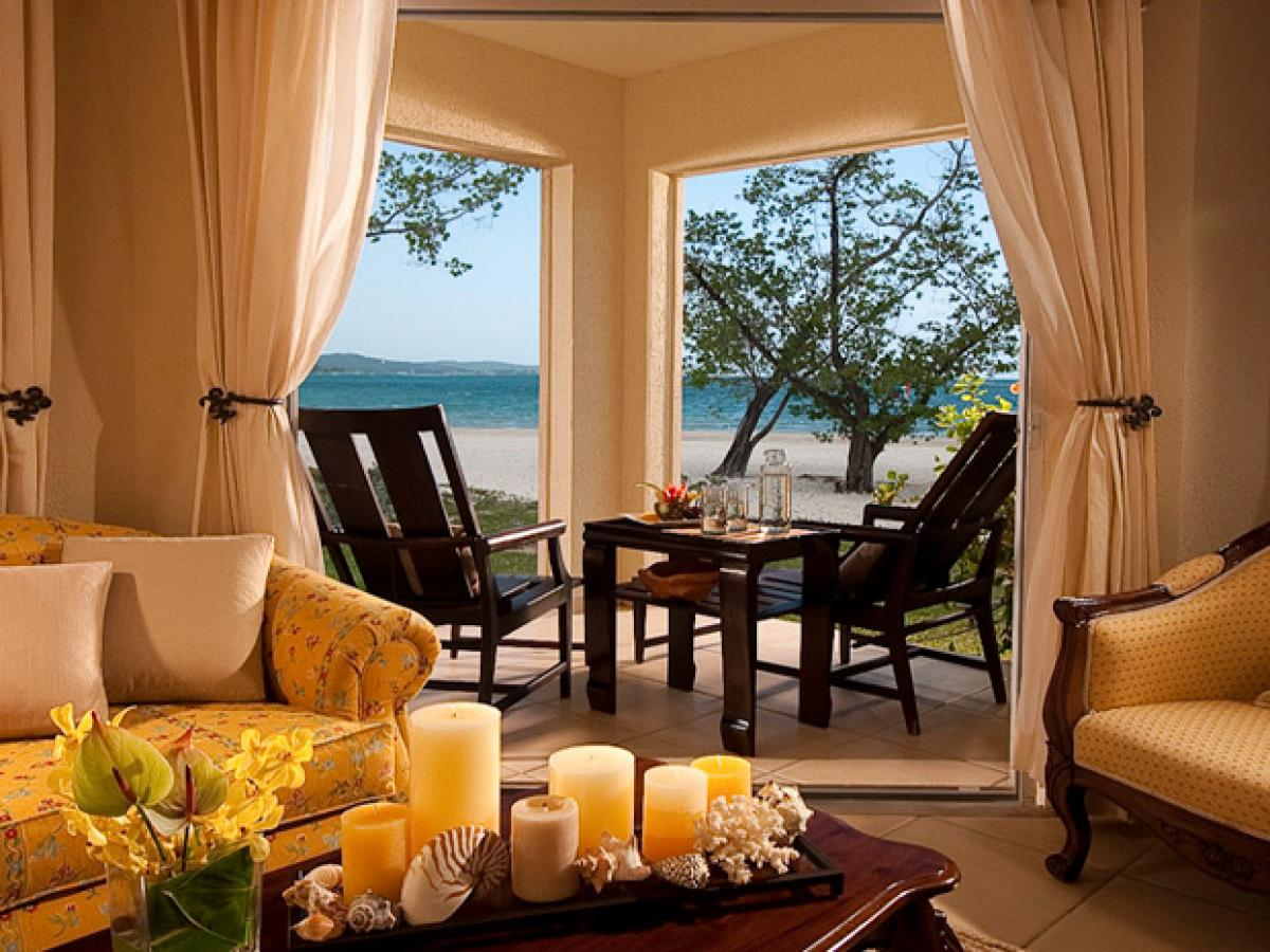 Sandals Whitehouse Negril Jamaica - Honeymoon Romeo & Juliet Beachfront Walkout
