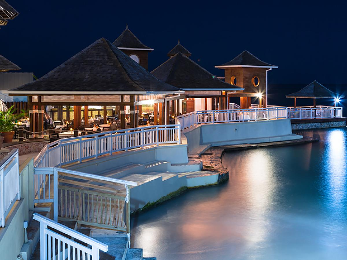 Beaches Ocho Rios Jamaica - Neptunes Restaurant