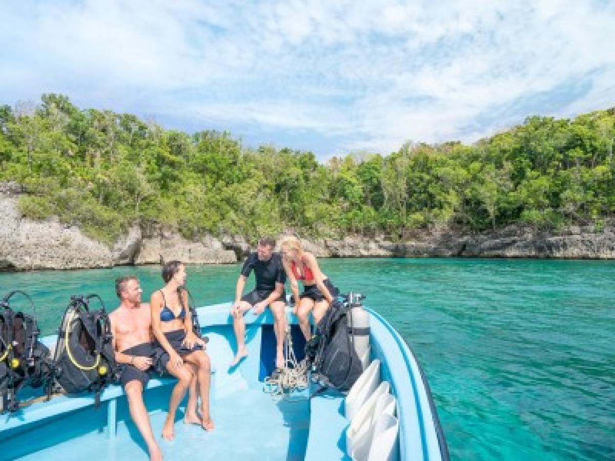 Couples Tower Isle Ocho Rios Jamaica - Scuba Diving