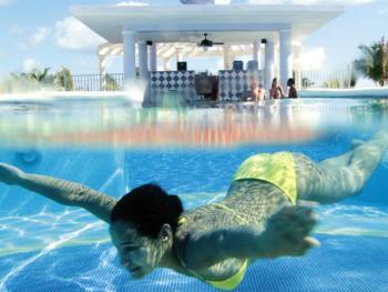 Riu Ocho Rios Jamaica - Swim Up Bar