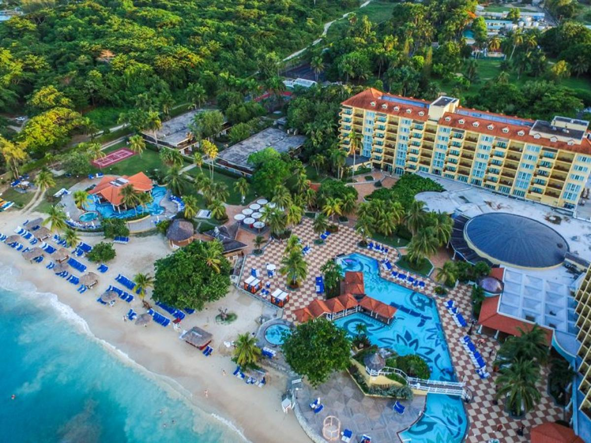 Jewel Dunn's River Beach Resort & Spa - Resort
