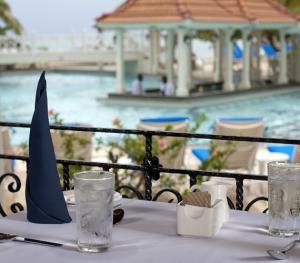 Jewel Dunn's Rivier Beach Resort & Spa - Coral Cafe