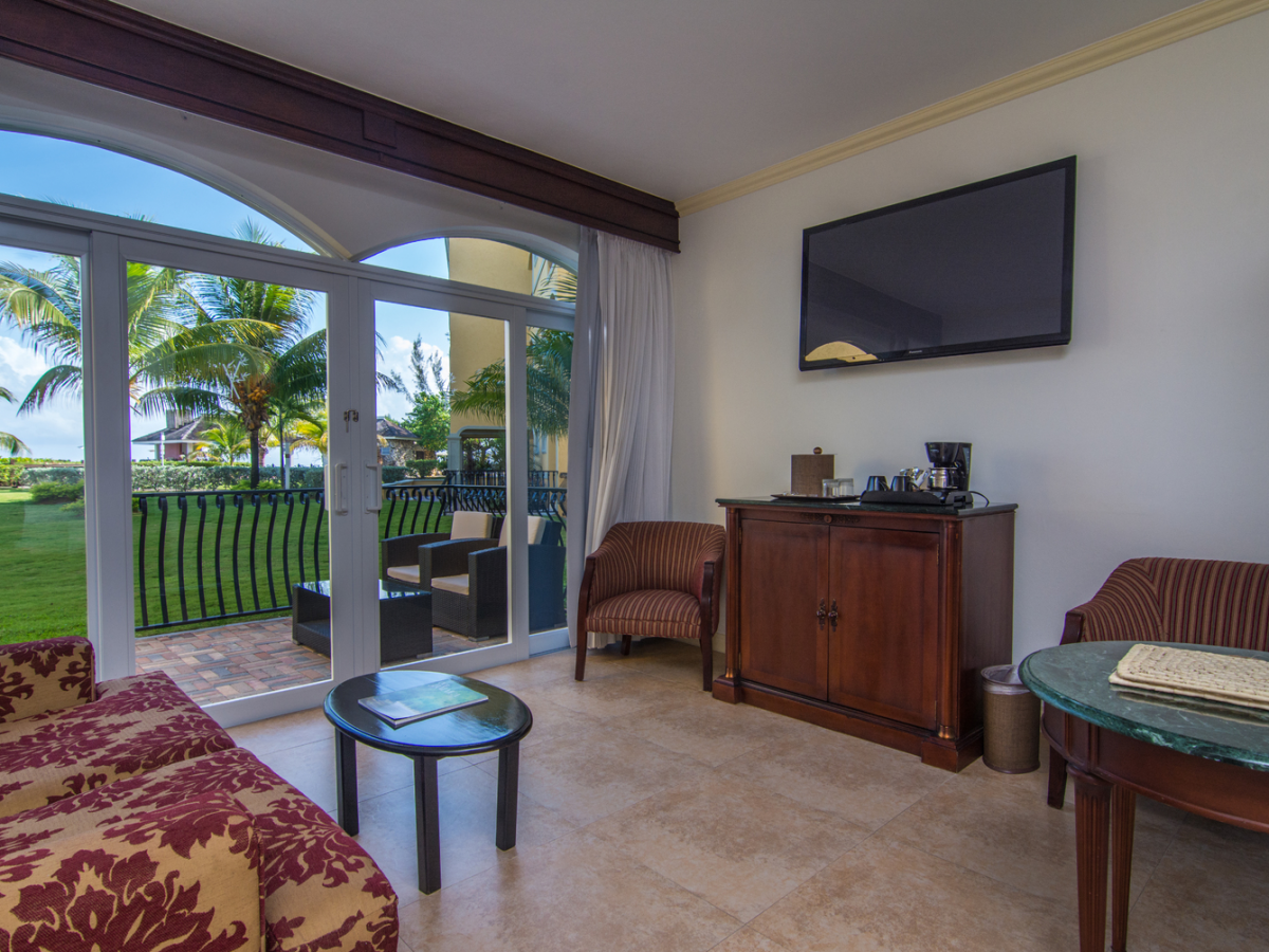 Jewel Paradise Cove Beach Resort - Butler Serviced Junior Suite