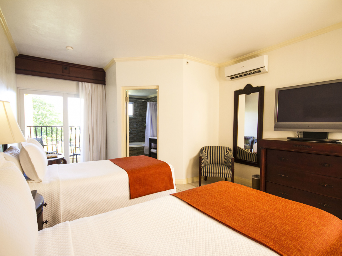 Jewel Paradise Cove Beach Resort - Premier Guest Room