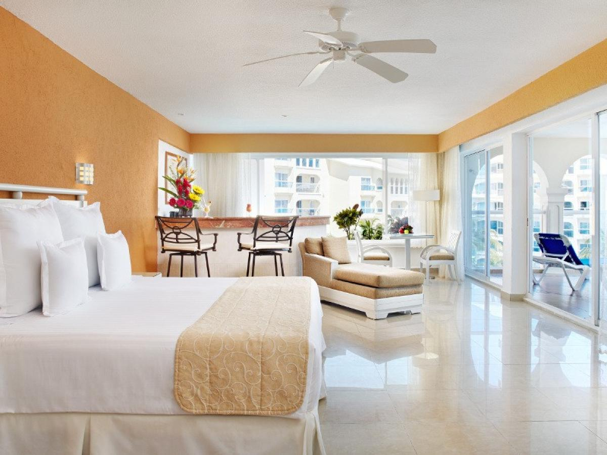 Occidental Costa Cancun Mexico - Junior Suite Ocean Front with Jacuzzi