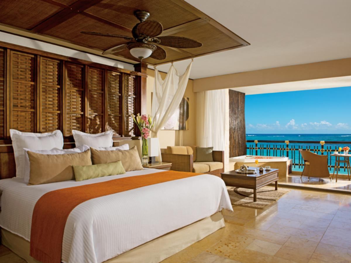 Dreams Riviera Cancun Resort & Spa - Preferred Club Honeymoon Suite