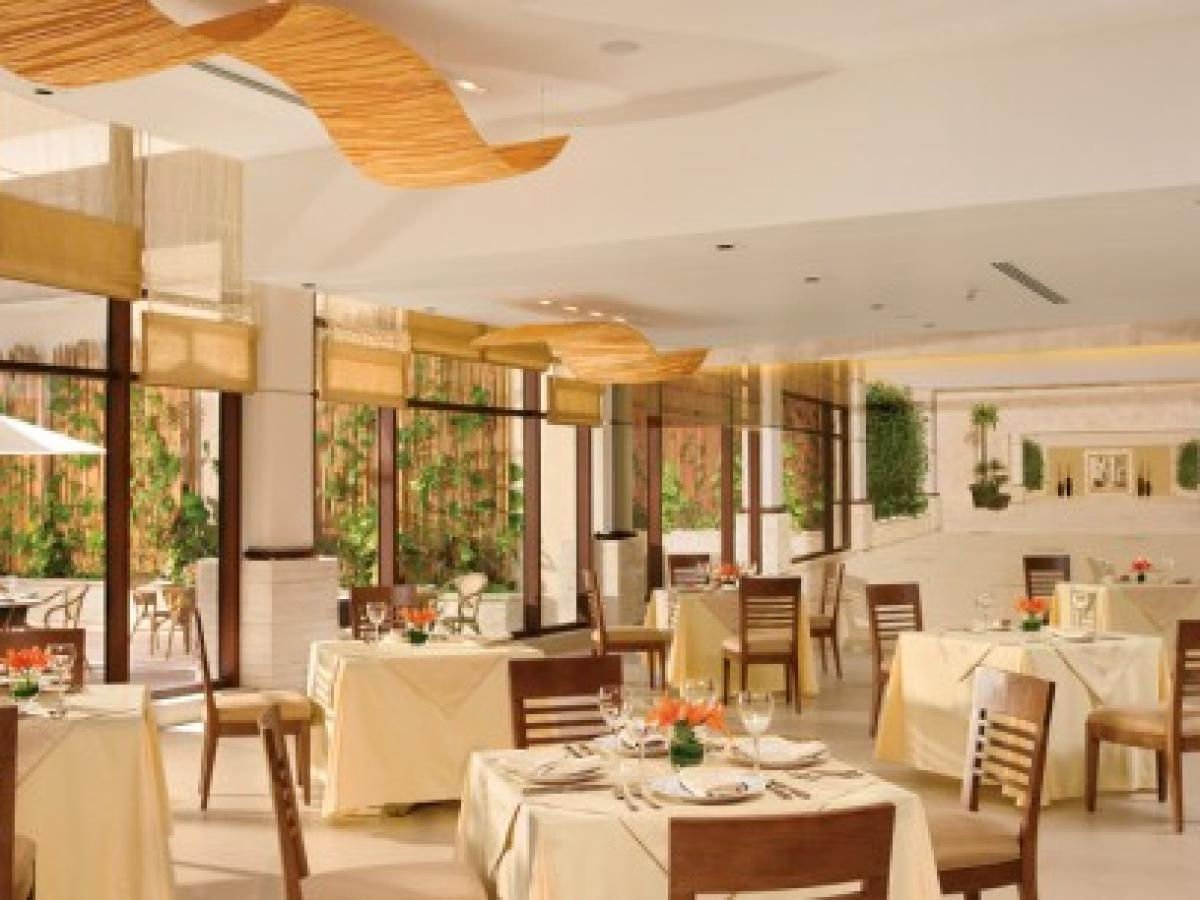 Dreams Riviera Cancun Resort & Spa - World Cafe
