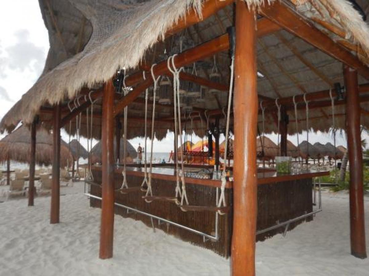Dreams Riviera Cancun Mexico - Barracuda Beach Bar