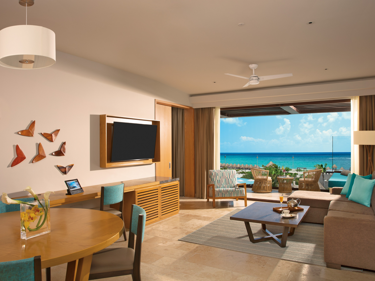Dreams Playa Mujeres - Preferred CLub Master Suite Ocean View