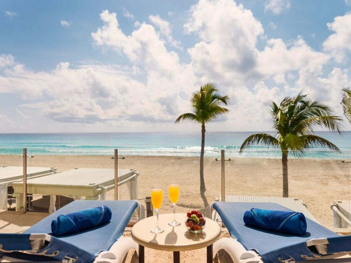 Panama Jack Resort Gran Caribe Cancun - Gran junior Suite Beachfront Walk Out