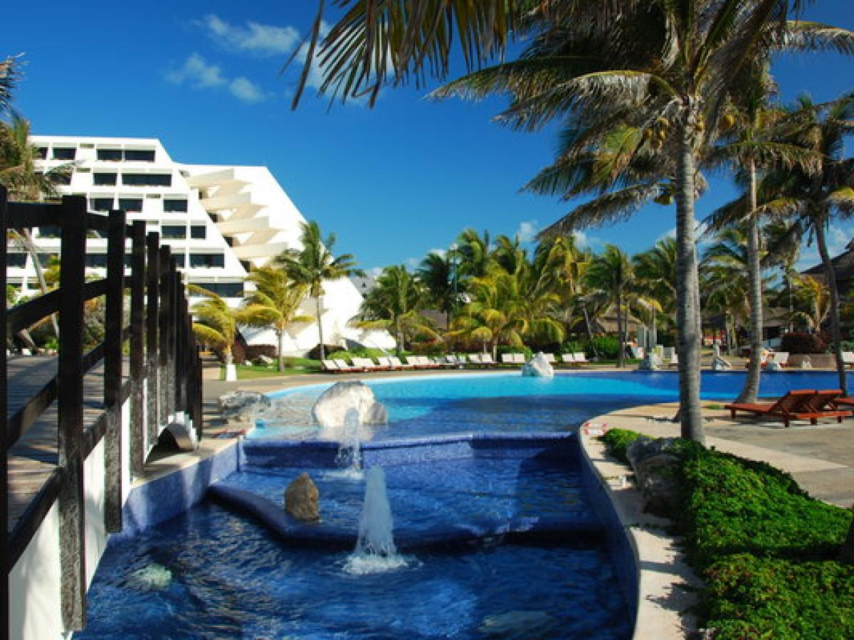 Grand Oasis Cancun Mexico - Swimming Pool