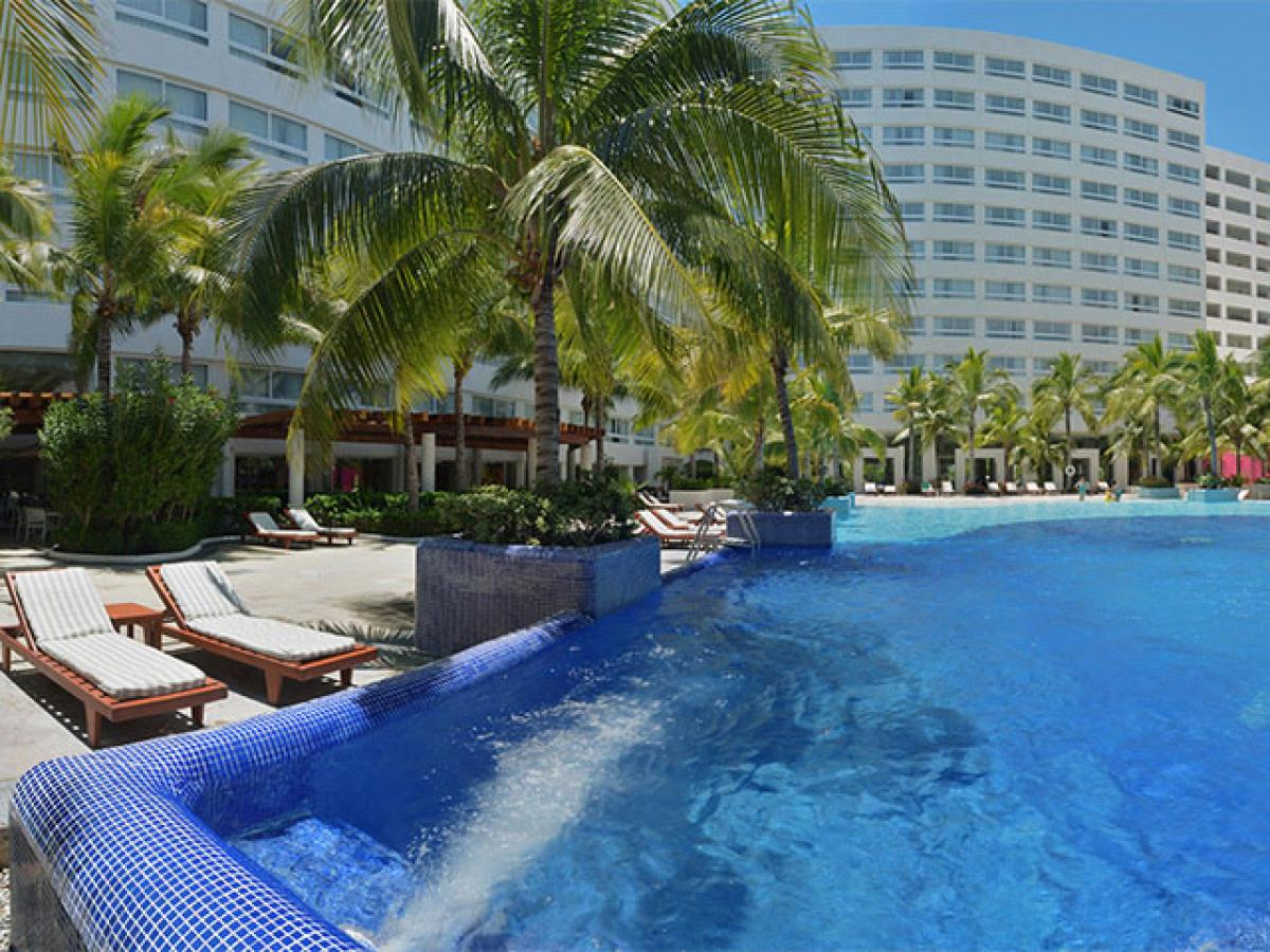 Grand Oasis Palm Cancun Mexico - Swimming Pool