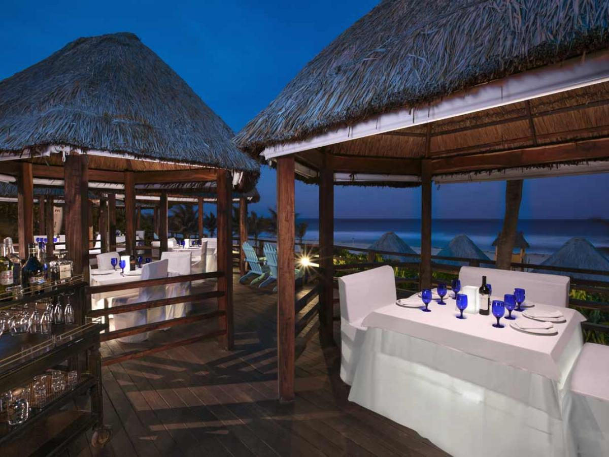 Grand Oasis Sens Cancun Mexico - Hippie Chic Grill