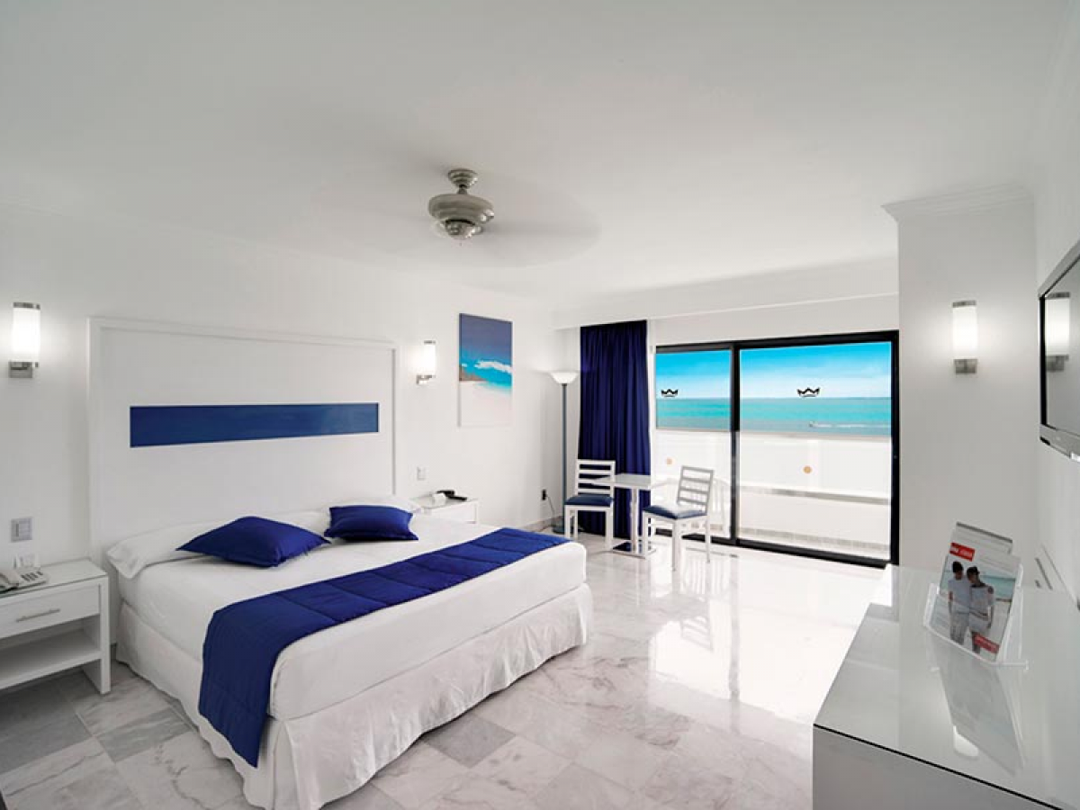 Riu Caribe Room Jr Suite Oceanview