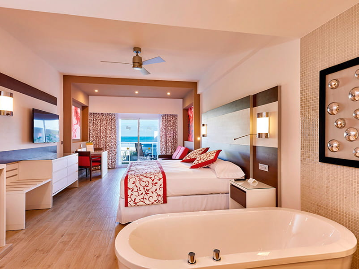 Riu Caribe Room Suite Oceanview