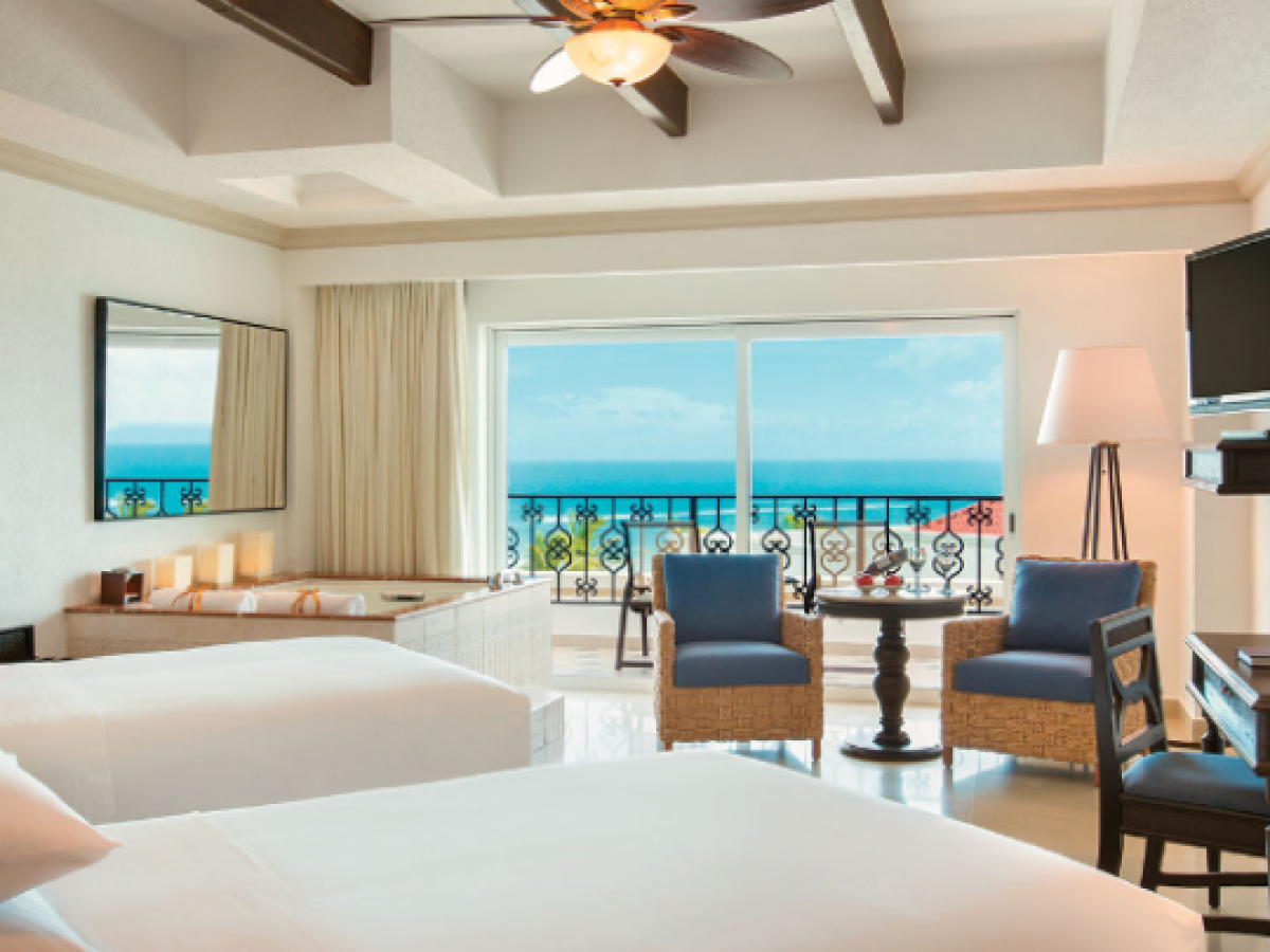 Divi Village Golf & Beach Resort - Oceanfront Junior Suite Double