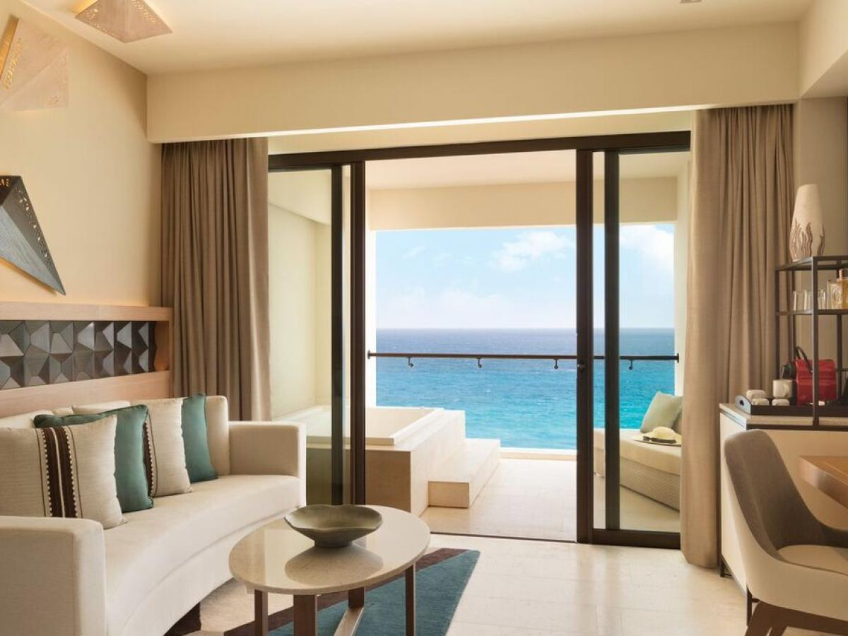 Turquoise Sky Ocean Front Master King (Adults Only)