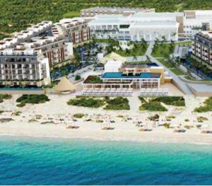 Majestic Elegance Playa Mujeres