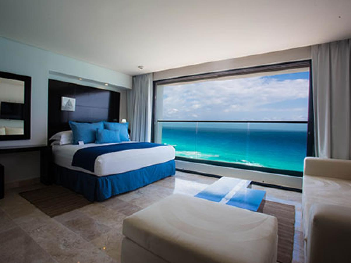 Melody Maker Cancun- Ocean Front Junior Suite