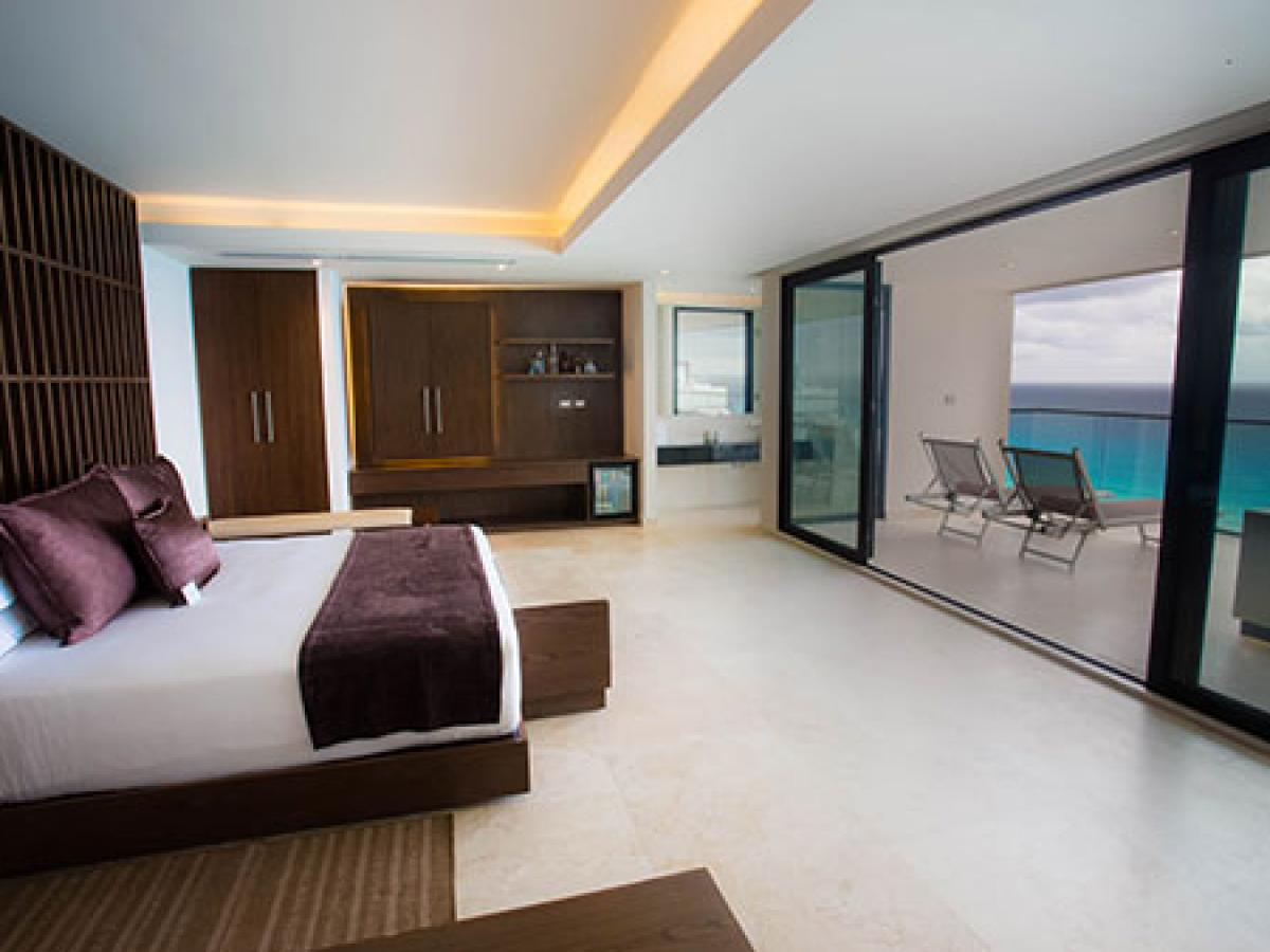 Melody Maker Cancun- The Beach Club Suite