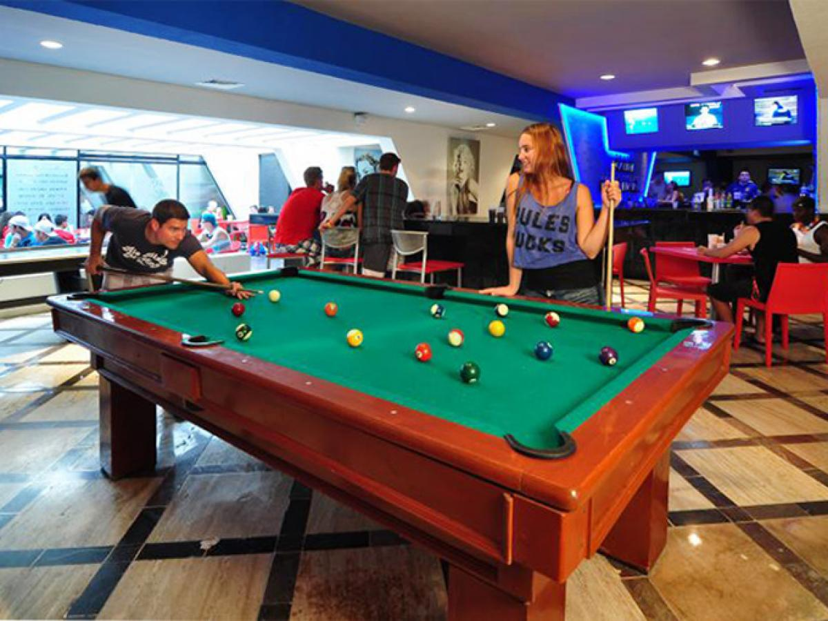 Oasis Cancun Lite Mexico - Sports Bar
