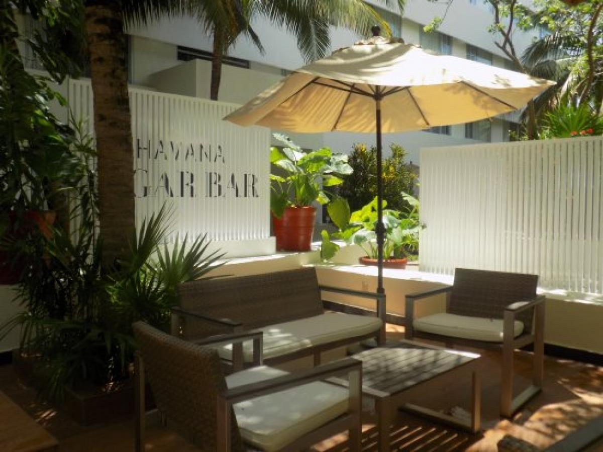Oasis Cancun Lite Mexico - Havana Cigar Bar