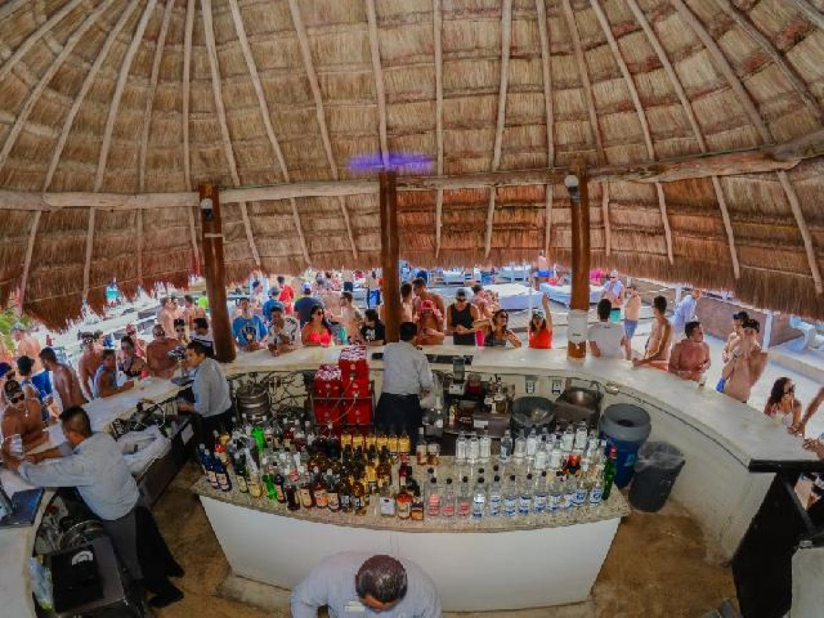 Oasis Cancun Lite Mexico - Sands Bar