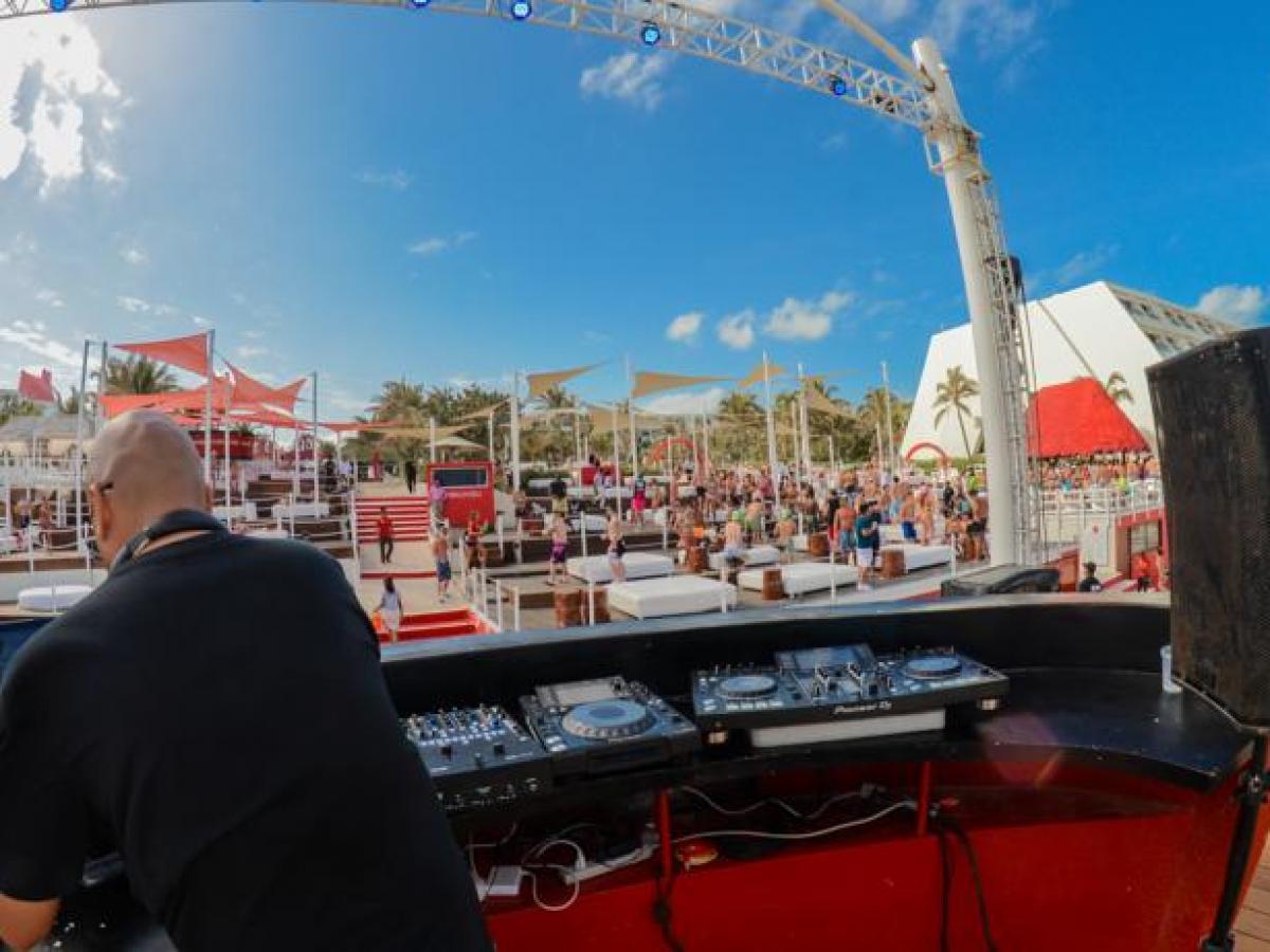 Oasis Cancun Lite Mexico - Entertainment