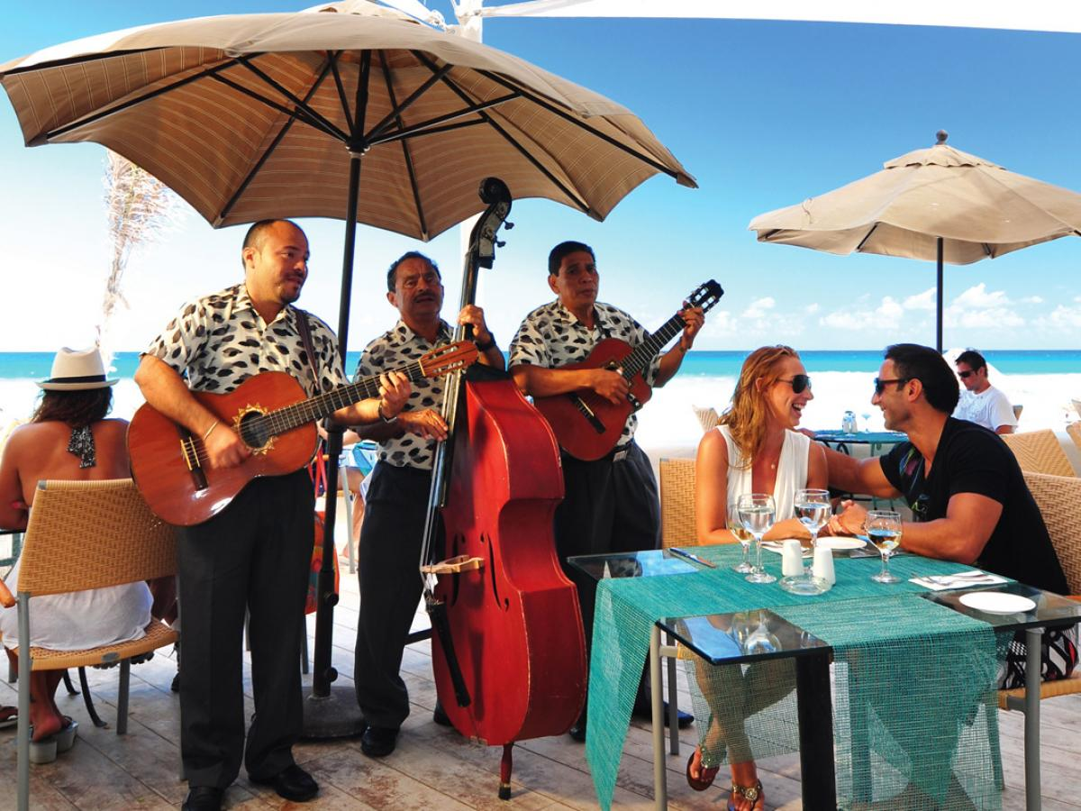 Oasis Cancun Lite Mexico -Ibiza Restaurant