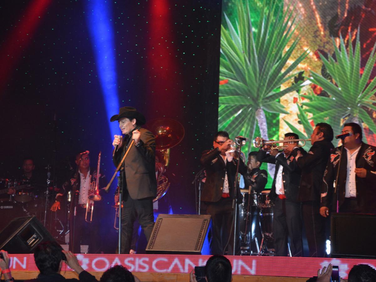 Oasis Cancun Lite Mexico -Entertainment