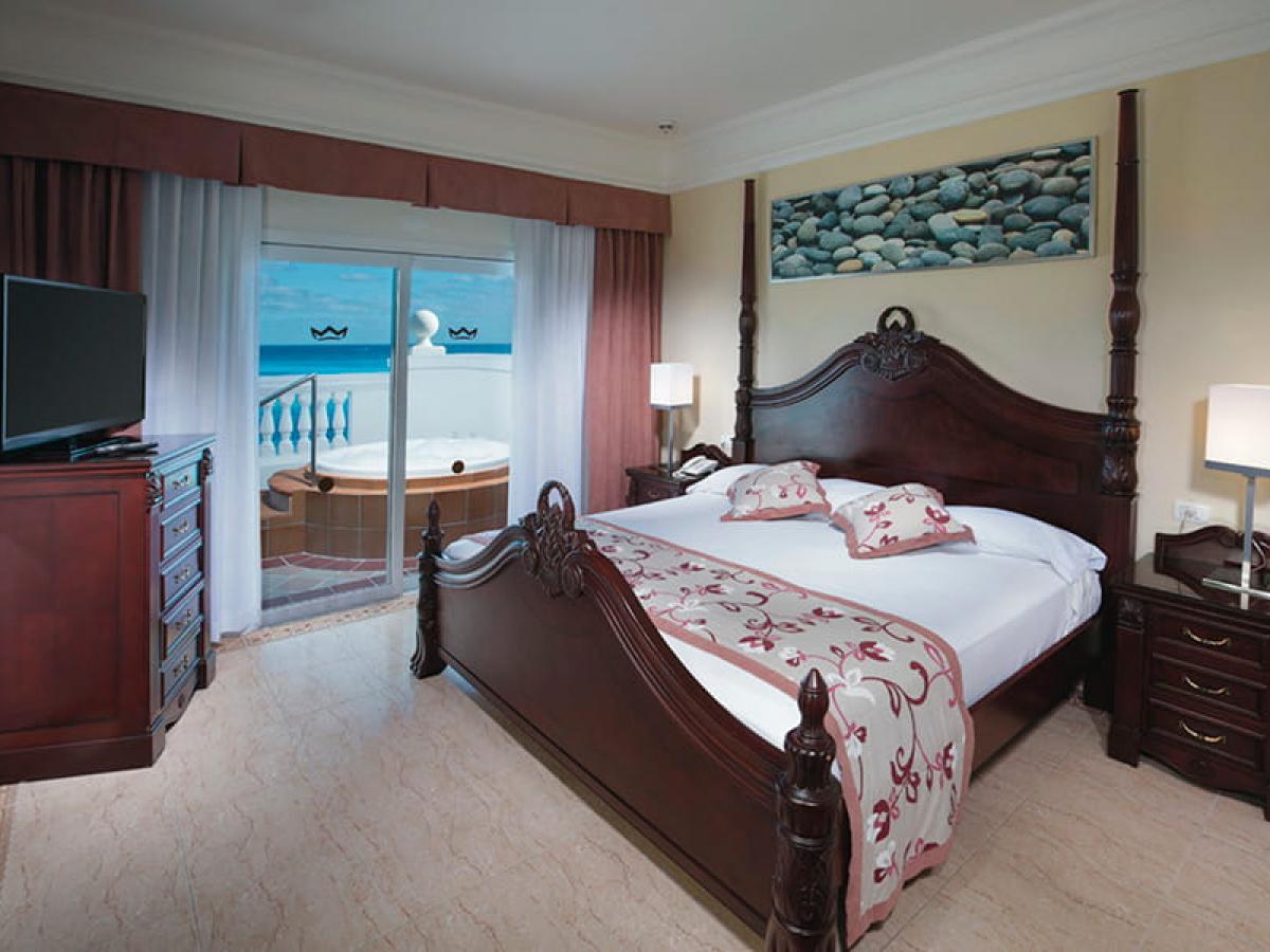 Riu Palace Las Americas Suit Oceanview Jacuzzi