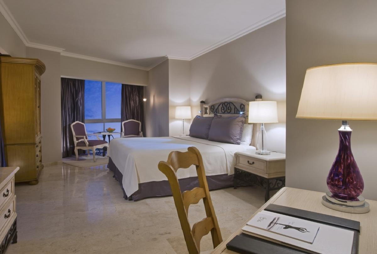Sandos Cancun Luxury Experience Resort -Lagoon_Suite