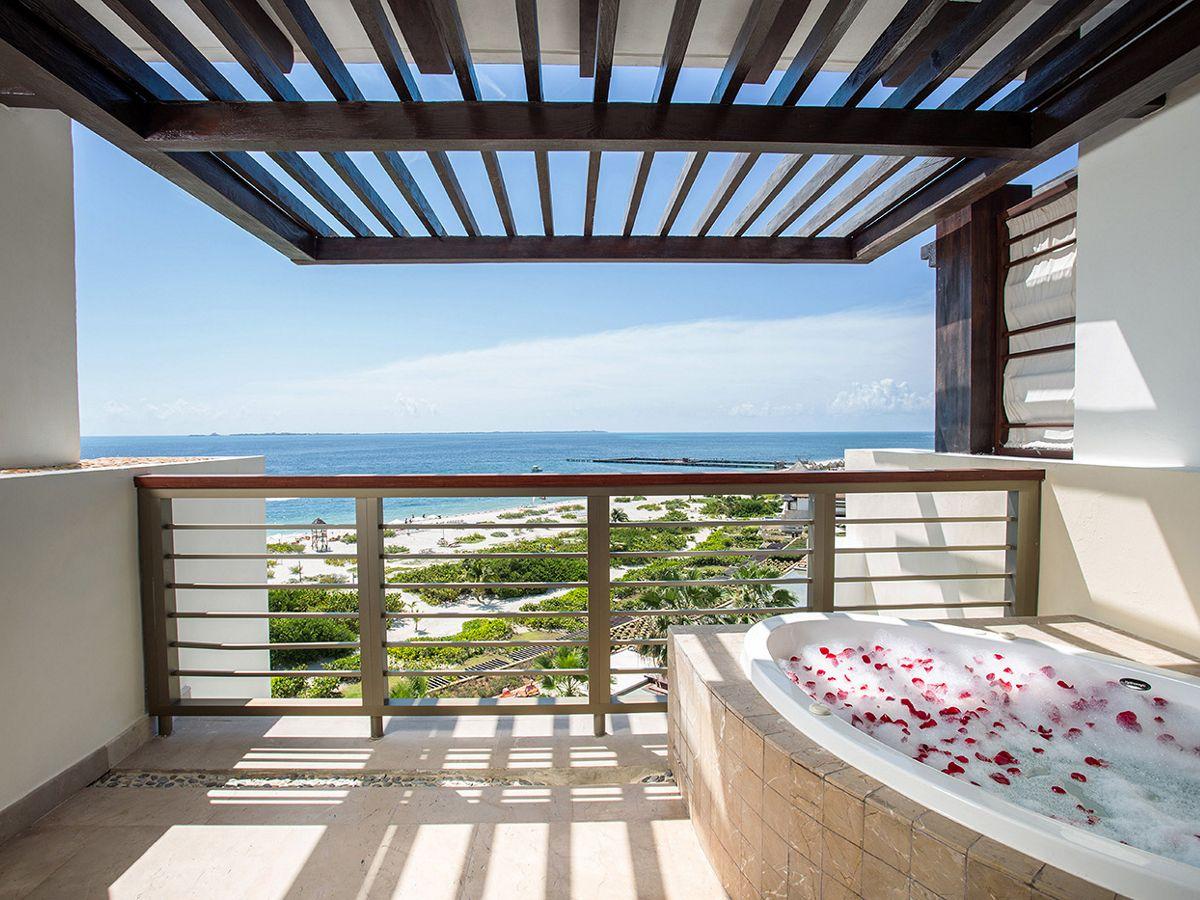 Secrets Playa Mujeres- Preferred Club Master Suite Ocean Front