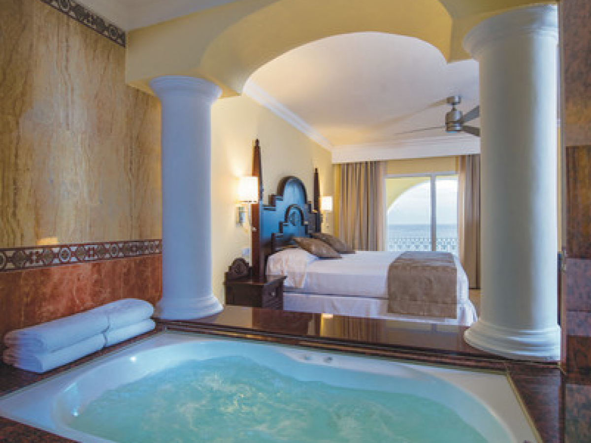 Riu Palace Cabo Jacuzzi suite
