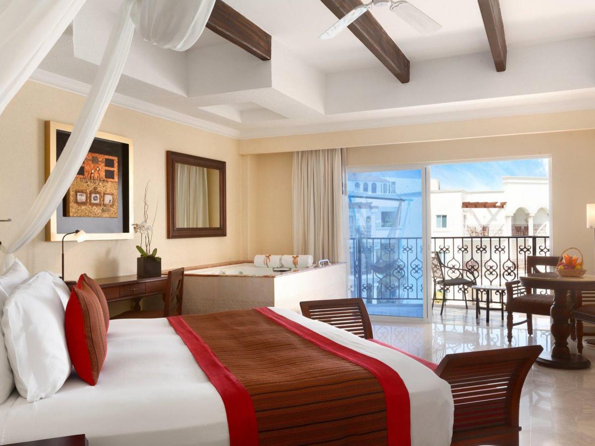 Hilton Playa Del Carmen - Junior Suite Pool View King