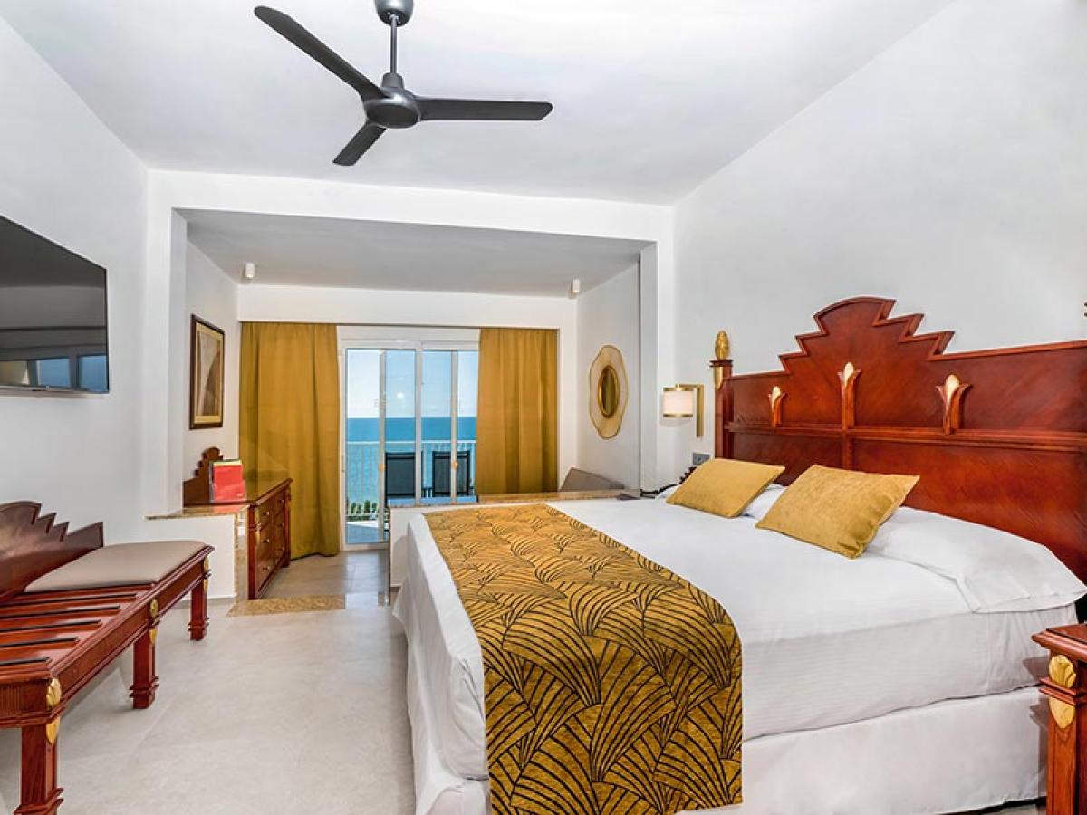 Riu Vallarta Jr Suite oceanview
