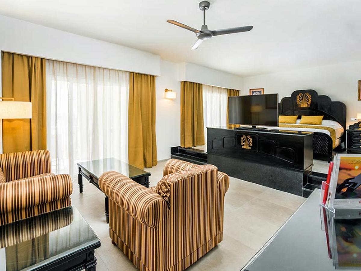 Riu Vallarta Suite Oceanview1