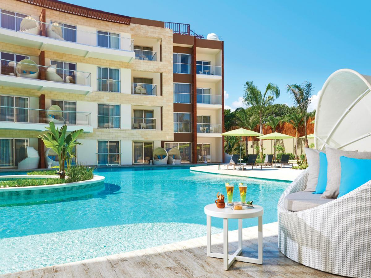 Azul Fives Beach Resort Playa Del Carmen Mexico - One Bedroom Essence Swim Up Su