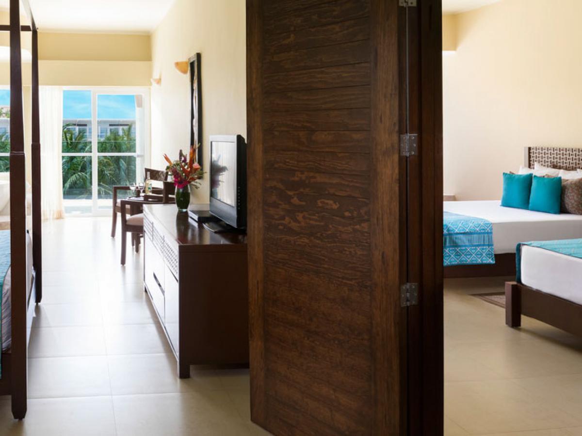 Azul Beach Resort Sensatori  Mexico - Connecting Luxury Jacuzzi Ocean View
