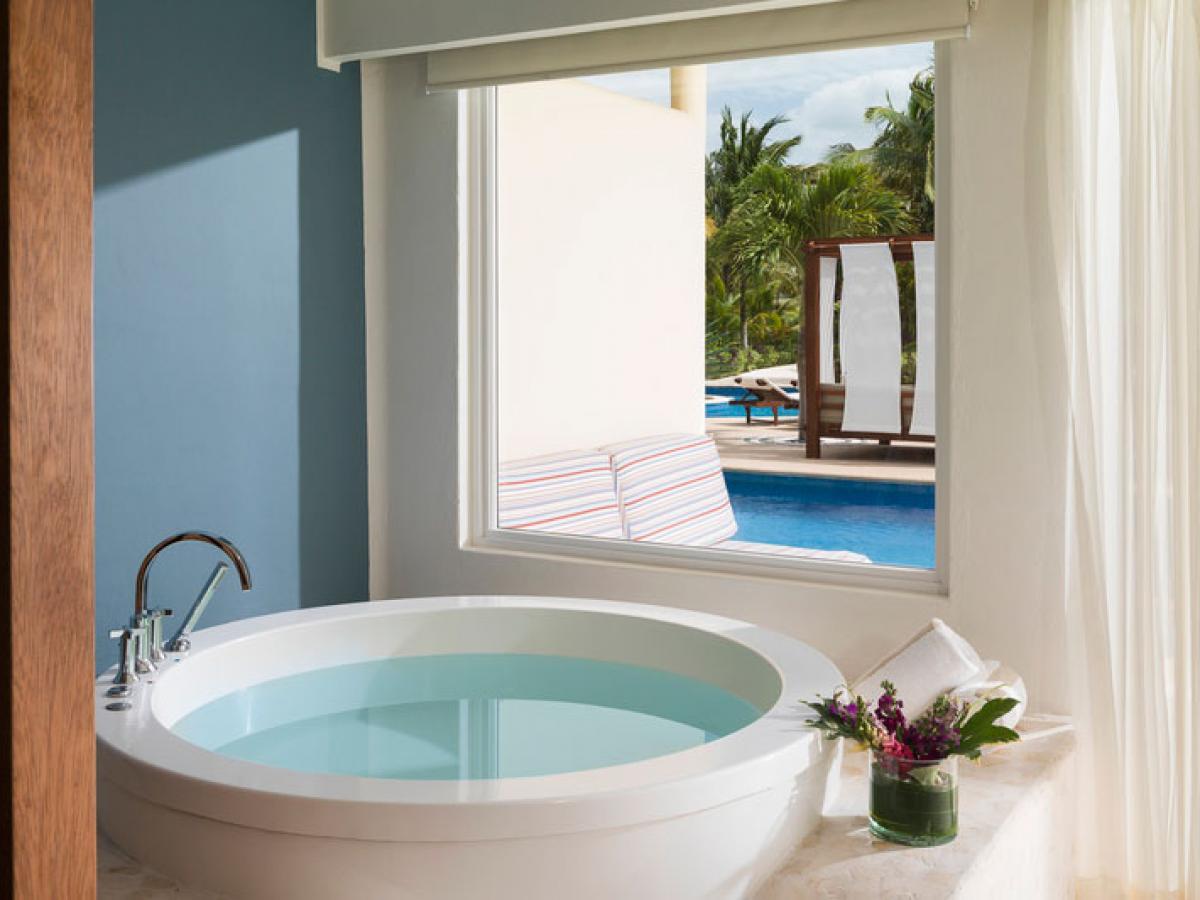 Azul Beach Sensatori Mexico - Royal Swim Up Suite