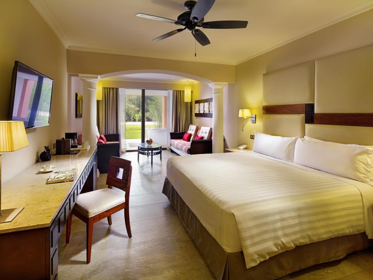 Barcelo Maya Beach Resort Riviera Maya Mexico - Junior Suite Oce