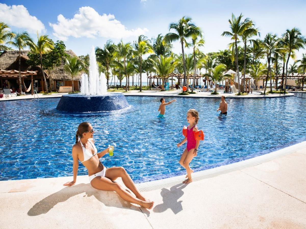 Barcelo Maya Caribe And Beach Riviera Mexico Swimmin