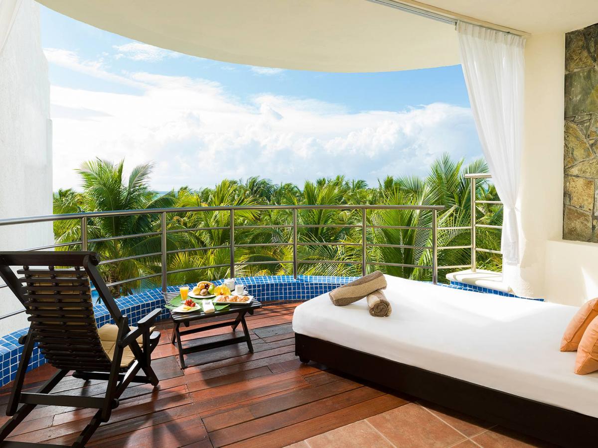 El dorado maroma mexico honeymoon suite