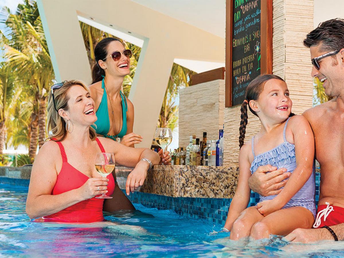 Generations Spa Resort & Hotel Riviera Maya Mexico - Swell Swim Up Bar